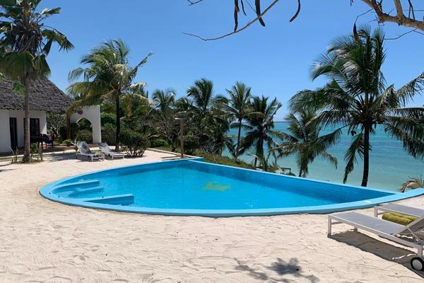 Pool overlooking the beach at Shooting Star, Zanzibar