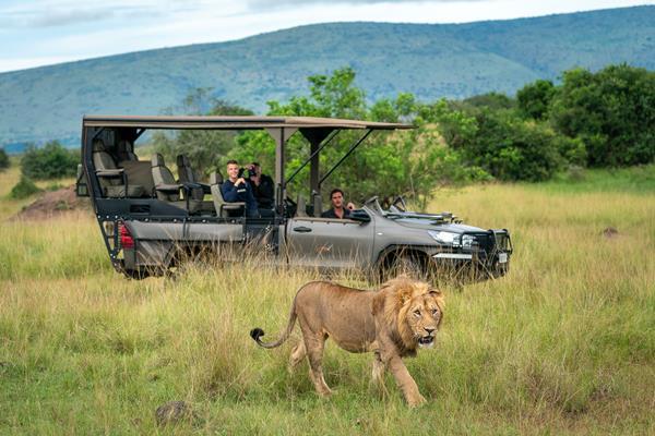 Wildlife close to Magashi Camp